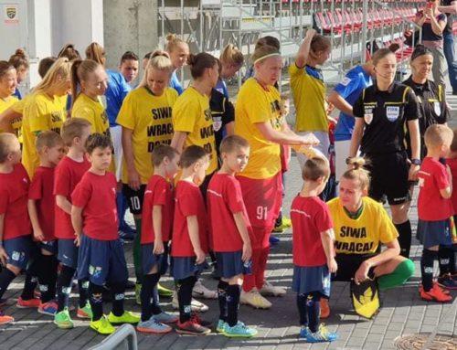 Skrzaty (r. 2013) – dziecięca eskorta na meczu Ekstraligi.